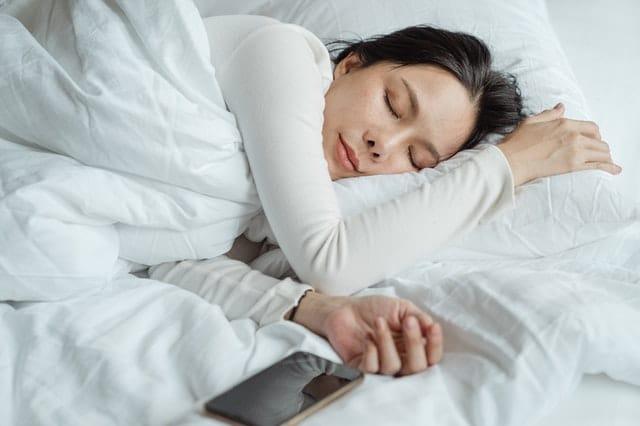 posturas-de-yoga-sueño